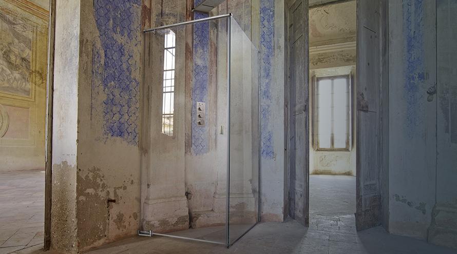 Cesana's shower enclosures in Palazzo del Majno